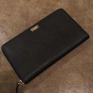 Kate Spade Laurel Way Travel Wallet